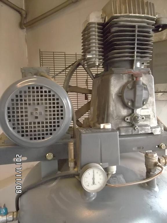 kompresor Master (stojatý, stáří 6 let)