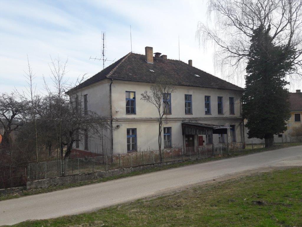 Územní pracoviště v Českém Krumlově oznamuje konání veřejné dražby domu/ů