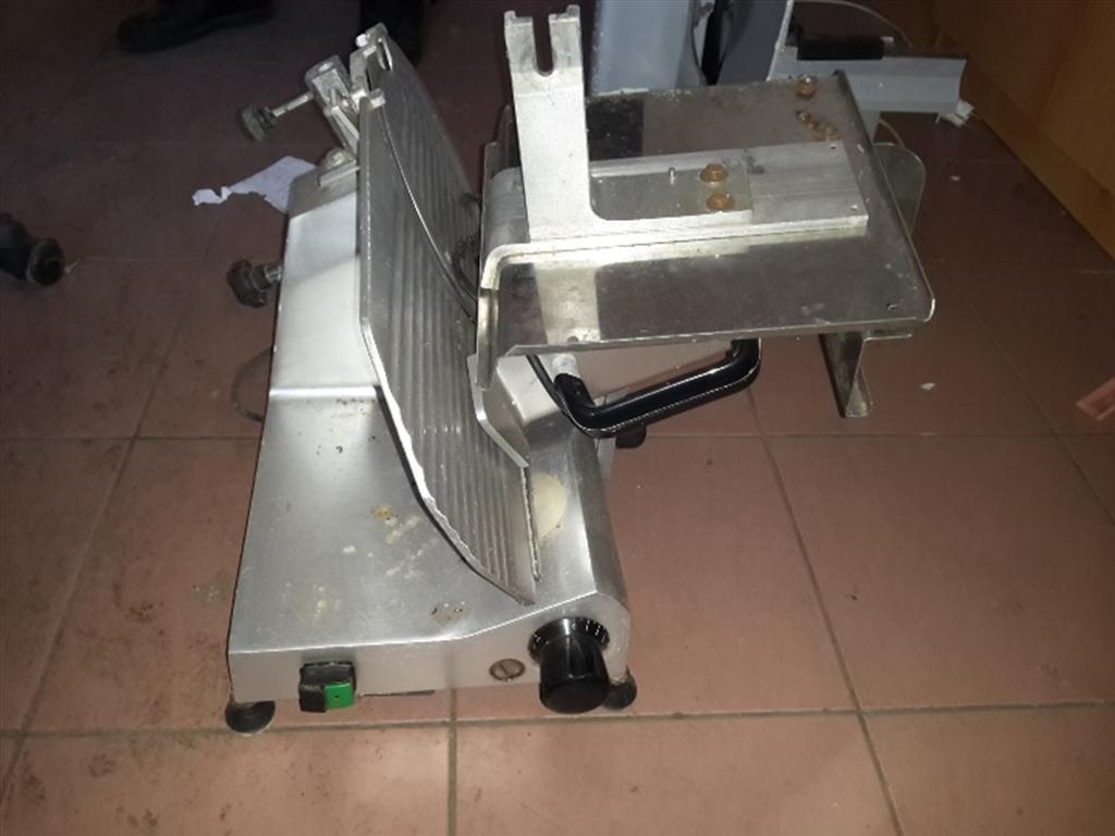 nářezový stroj – 2 ks