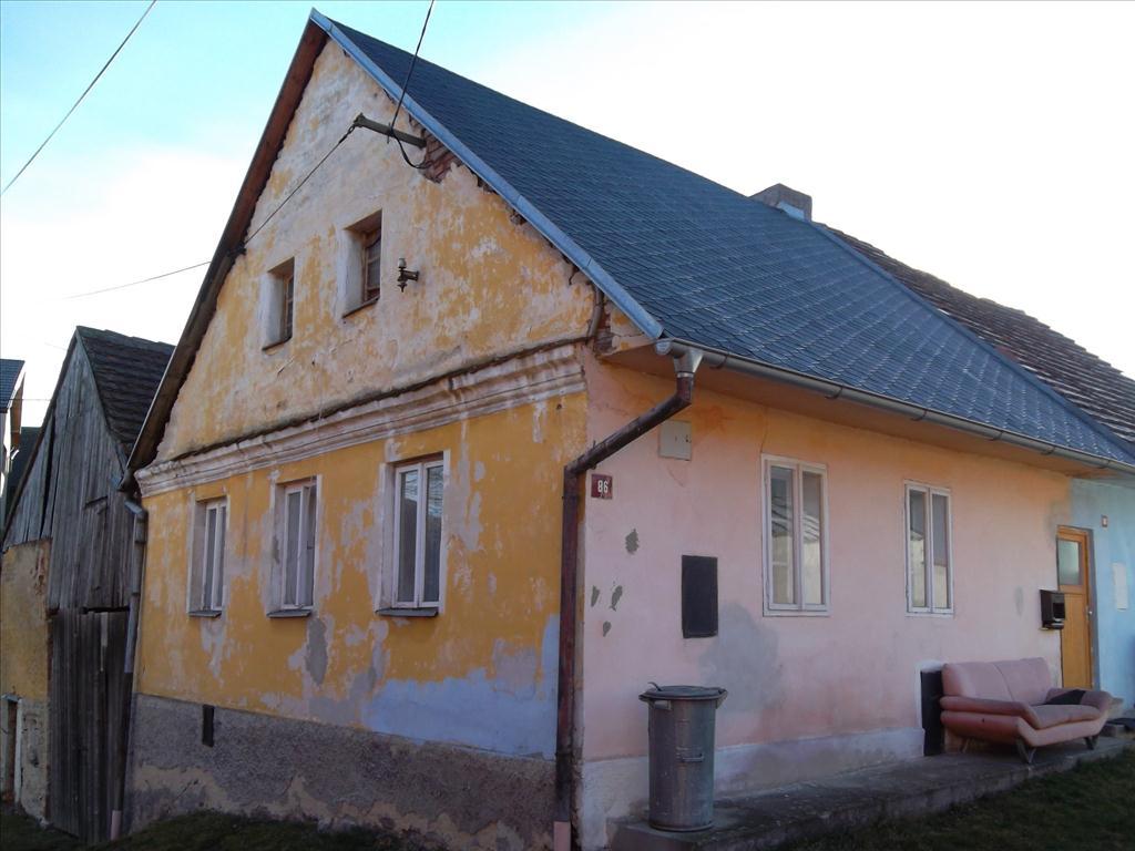 Územní pracoviště v Domažlicích oznamuje konání veřejné dražby domu/ů