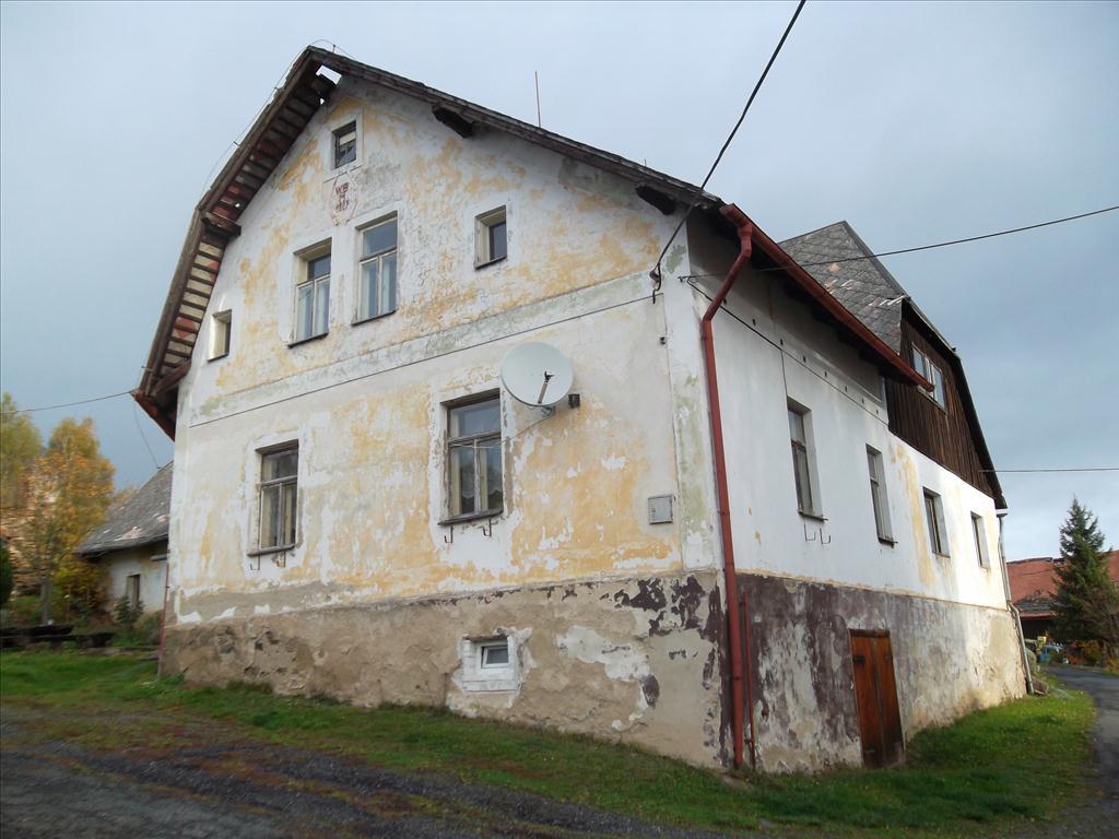 Územní pracoviště v Klatovech oznamuje konání veřejné dražby domu/ů