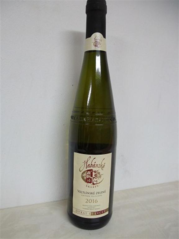 39 ks láhví vín