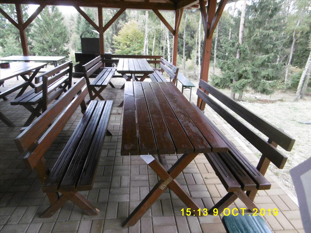 Stůl a lavice - položky 11 až 14