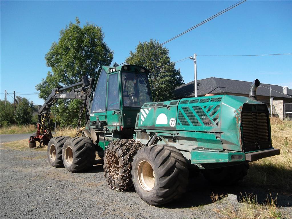 Územní pracoviště v Liberci oznamuje konání veřejné dražby zemědělských strojů