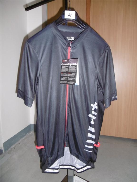 Soubor cyklistických dresů - 23 kusů
