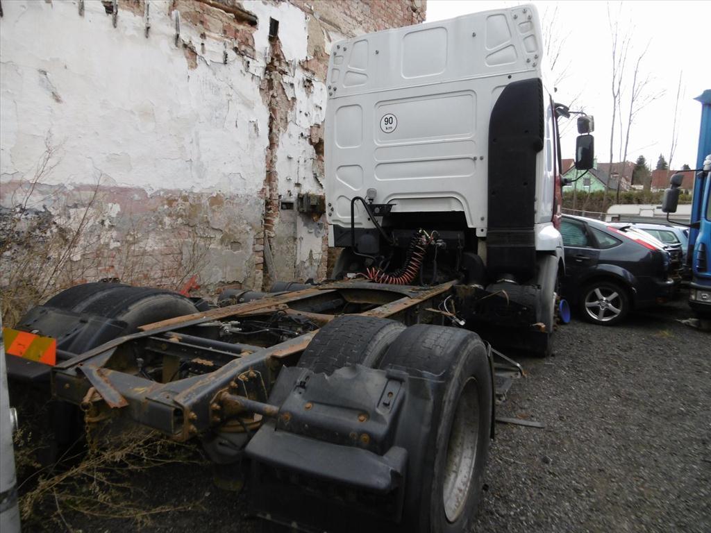 Územní pracoviště v Chrudimi oznamuje konání veřejné dražby nákladních automobilů