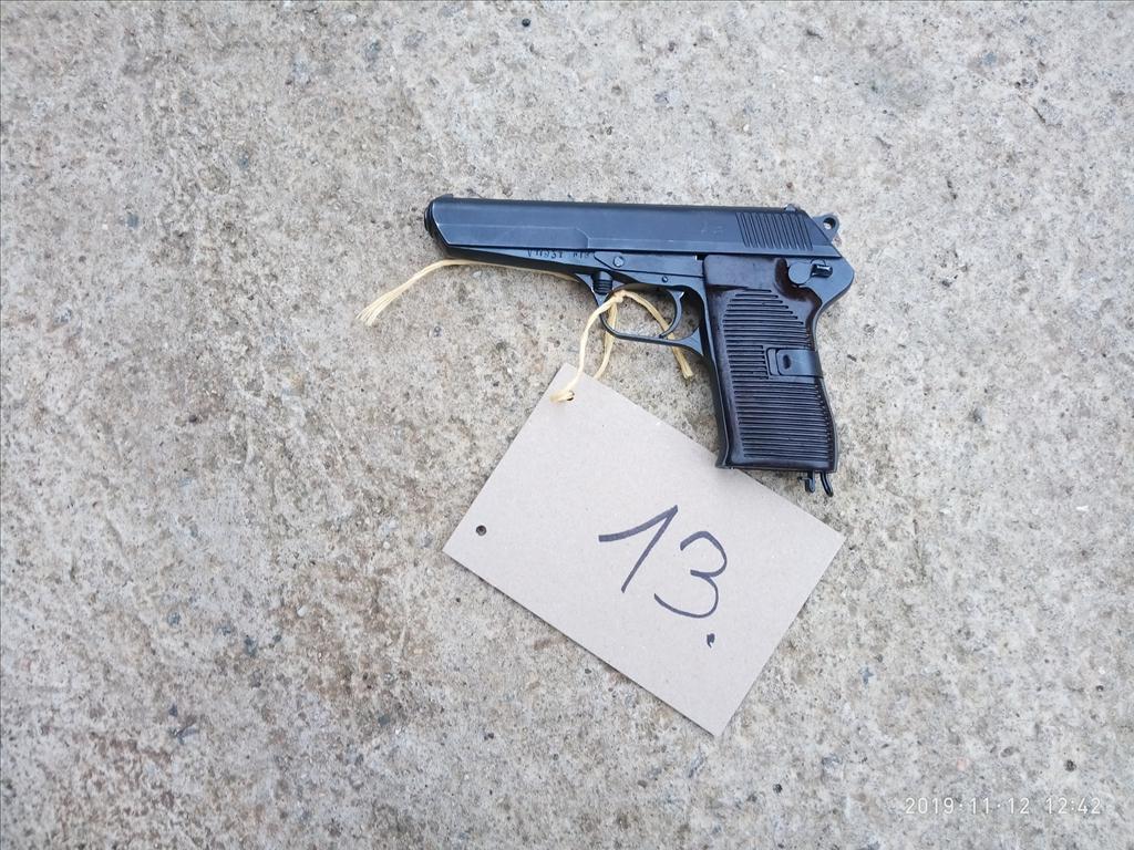 Pistole samonabíjecí - model 52