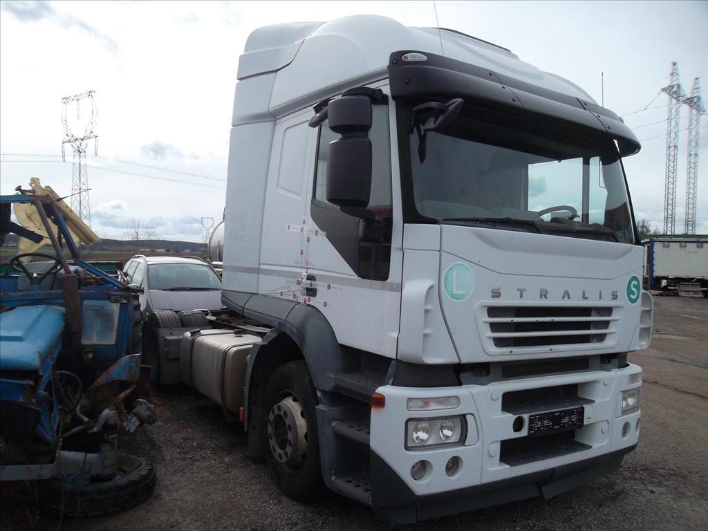 Územní pracoviště Brno IV oznamuje konání veřejné dražby nákladních automobilů