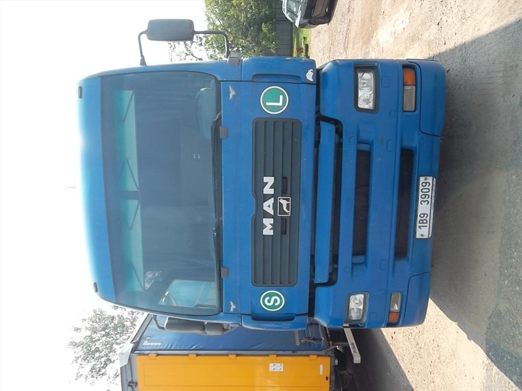 Územní pracoviště v Břeclavi oznamuje konání veřejné dražby nákladních automobilů