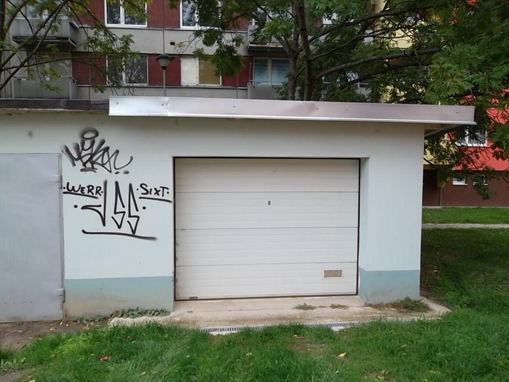 Územní pracoviště ve Znojmě oznamuje konání veřejné dražby garáží