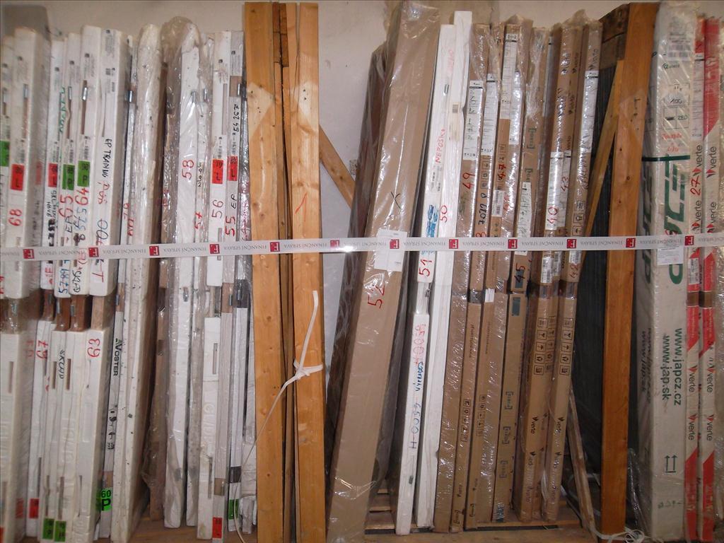 Soubor interiérových dveří – 169 kusů.