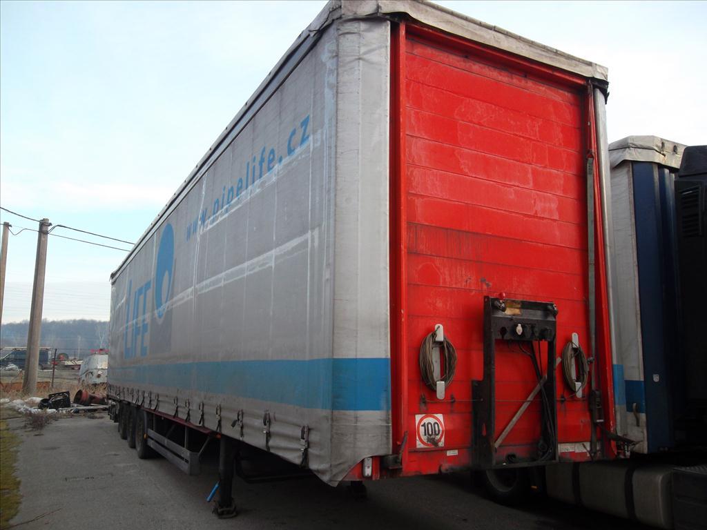 Územní pracoviště v Uherském Hradišti oznamuje konání veřejné dražby nákladních automobilů