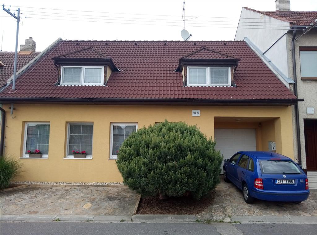 Územní pracoviště v Uherském Hradišti oznamuje konání veřejné dražby domu/ů