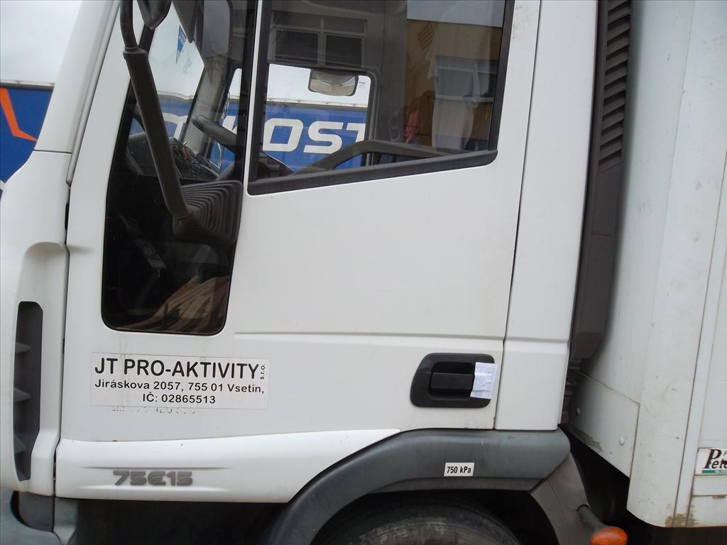 Nákladní  vozidlo tovární  značky     IVECO