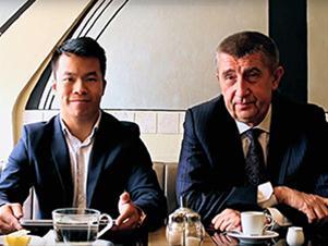 """Videopozvánka ministra financí Andreje Babiše na konferenci """"Fámy a fakta o EET"""", kterou pořádá Svaz vietnamských podnikatelů v ČR a Svaz vietnamských studentů a mládeže ve spolupráci s Ministerstvem financí a Finanční správou. Konference proběhne v neděli 12. června od 9:30 hodin v areálu Sapa."""