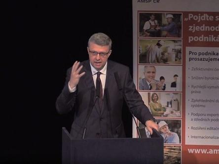 Andrej Babiš, ministr financí Alena Schillerová, náměstkyně ministra financí pro daně a cla Karel Havlíček, předseda představenstva AMSP ČR